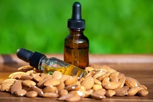 Миндальное масло для лица: состав и применение