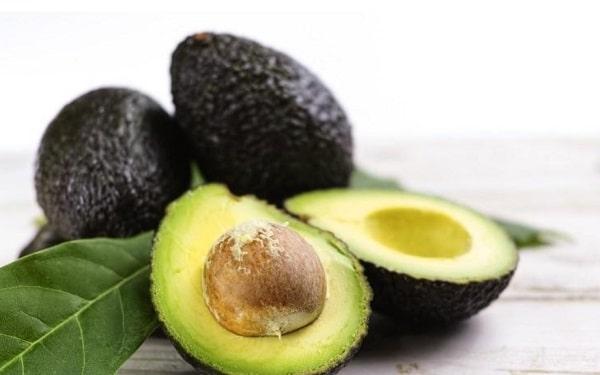 Авокадо как правильно есть