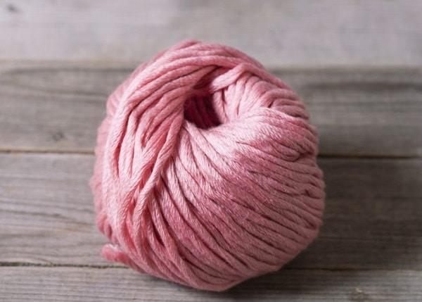 Окрашивание шерсти в розовый цвет